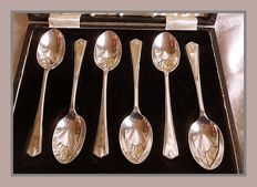 Sterling silver set of six Art Deco tea spoons in fitted case, Charles William Fletcher, Sheffield, 1937