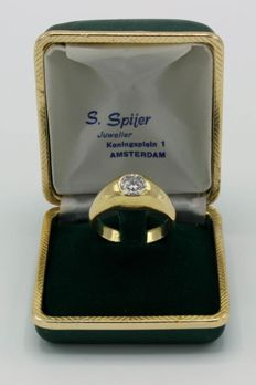 14 kt gold men's pinky ring - solitaire ring with brilliant cut diamond of 0.75 ct.