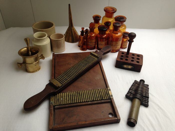 Antique set of pharmacists attributes, from the 19th century