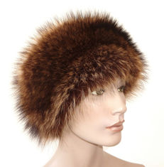 Beautiful warming fur cap fur hat raccoon real fur