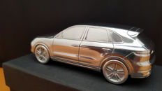 2018 Porsche Cayenne E3 Turbo - solid aluminium Paperweight in luxury gift packaging - scale 1/43