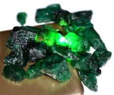 Lot with rough emerald  stones - 80 g - 400 ct