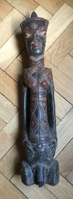 Statue in wood of King Ndengese Zaire SQMF C.I. 98