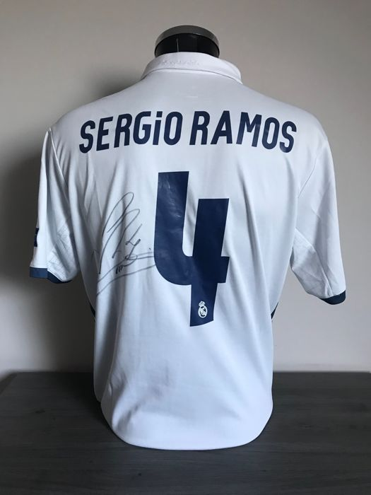 online retailer a5cef 43a44 Sergio Ramos signed Real Madrid home Champions League 2016 ...