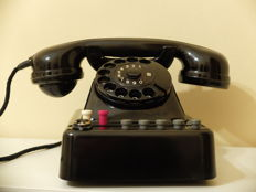 Telephone from the 1950s