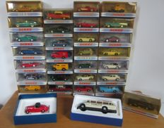 Matchbox The Dinky Collection - Scale 1/43 - Lot with 31 models: Rolls Royce, Ferrari, Cadillac, Buick, Commer, Land Rover, Delahaye, Tucker, Chevrolet, Ford, Mercedes-Benz, MGB, Jaguar, Bentley, Triumph, Austin, Citroën and Studebaker