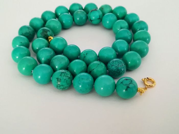 19.2 kt – Turquoise necklace, gold ring clasp