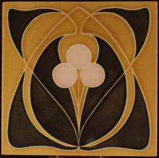 Gilliot & Cie Hemiksem - Art Nouveau tile with special decorations of a stylized flower
