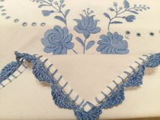 Sky Blue and White Cotton Tablecloth. Measurements: 98 x 98 cm