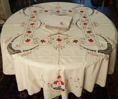 Round tablecloth for 8 people, hand-made embroidery and lace - 8 large napkins - 165 cm in diameter