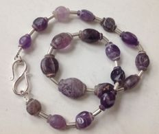 Necklace with ancient amethyst Pyu beads, ca 51 cm