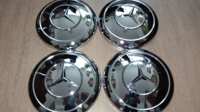 Mercedes Benz 4 chrome hubcaps, new