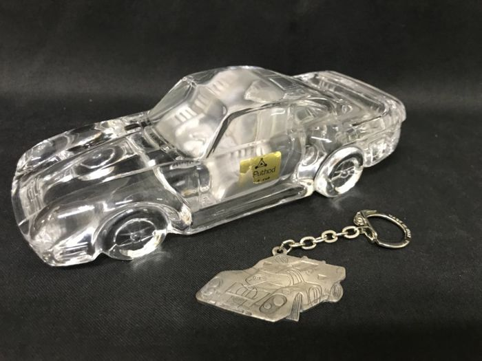 Exclusive lot, Gulf Porsche 917 Formula G world champion keychain and Puthod crystal model - 1990