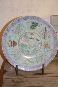 Very fine quality large family rose plate - China - late 19th century