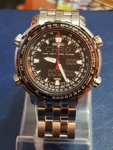 Seiko World Time Analogue-Digital, men's chronograph-alarm watch.