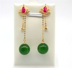 18 kt gold Jade earrings with ruby and diamonds;Size 7 cm Length,Jade size: 10 mm