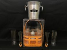 Set for champagne composed of: 4 Flutes Veuve Clicquot + 1 ice bucket Champagne Pommery + Two Veuve Clicquot branded glasses