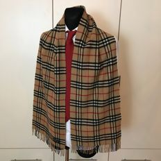 Burberry – 100% Lambswool Long Scarf