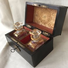 Ebonised wooden Napoleon III tea caddy with gold-plated crystal bottles - with gilt lock and inlaid with bone intarsia - France - 19th century