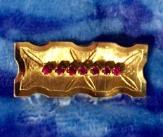 Brooch in 18 Carat Gold and Rubies 60/70 Years