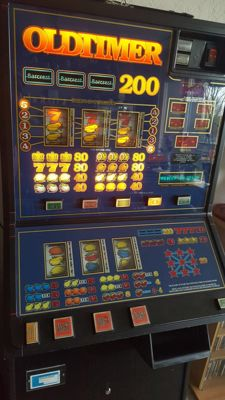 Oldtimer slot machine, works on euros