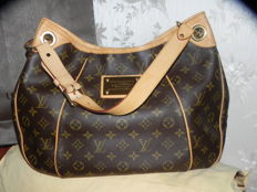 Louis Vuitton - Monogram Galleria bag
