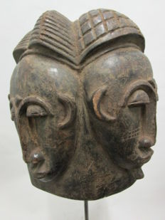 Mask with 2 faces NDA - BAULE - Ivory Coast