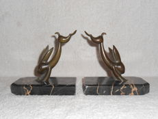 Jumping rabbits – pair of original Art Deco bookends made of bronze, Belgium or France, 1920s