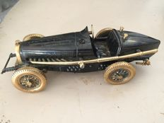 Bugatti Type 35 scale model - Sculpture by DIKRAN KHOUBESSERIAN (1913-1991)