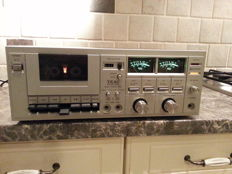 Very beautiful vintage 1979 Teac A-108 Synchro stereo cassette deck