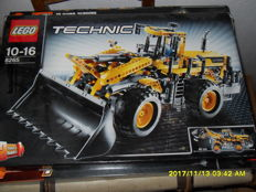 Technic - 8265 - front loader