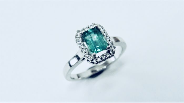 Platinum Emerald and Diamond Ring - platinum950 ,Emerald .70ct,diamond . 12ct g vs full cut, free resize