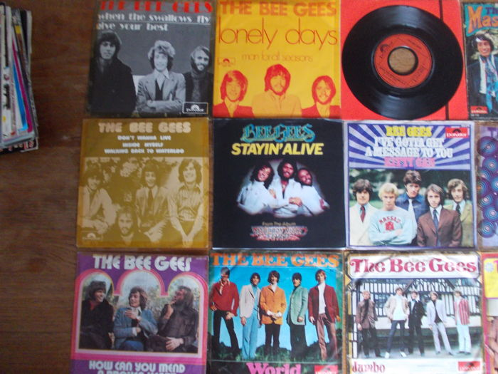 Nice lot with 17 singles of The Bee Gees and 5 Solo