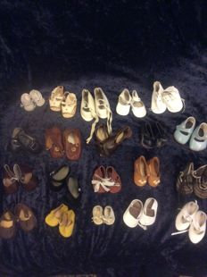 20 Pair of doll shoes