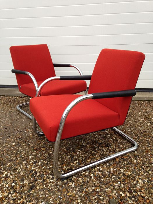 Antonio Citterio for Vitra - two 'visasoft' cantilever easy chairs