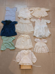 Doll clothes 11 pieces in very beautiful condition