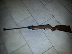 Airgun brand El Gamo in good used condition.