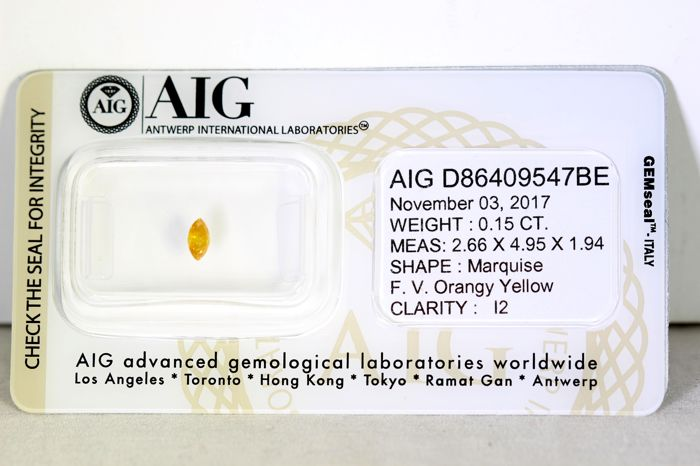 AIG Diamant - 0.15 ct - Fancy Vivid Orangy Yellow  -  * NO RESERVE PRICE *