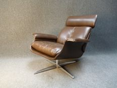 Unknown manufacturer - Vintage leather swivel armchair