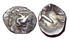 Greek Antiquity - Calabria, Tarentum c. 380-325 BC - AR Diobol (Silver, 11/9mm; 0,95gm.) - Head of Athena / Herakles - cf. HN Italy 911