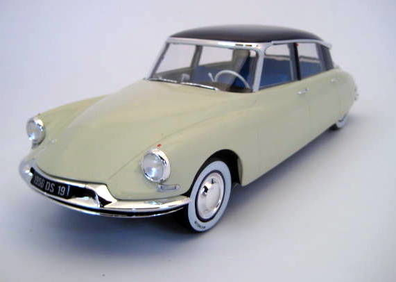 Norev - 1:18 - Citroën DS19 Salon de Paris Octobre 1955 - Caja de menta