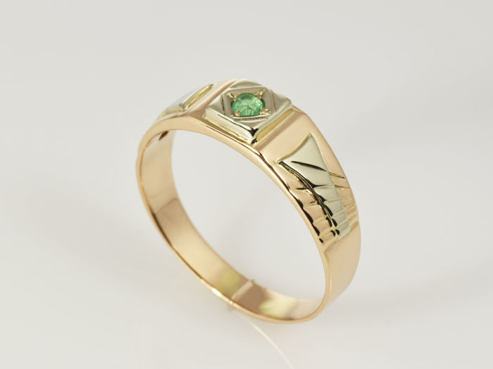 14 kt gold Ring Emerald 0 18 ct Size 69 ¸ 22 mm Catawiki