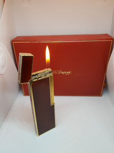 St Dupont table lighter in Chinese lacquer