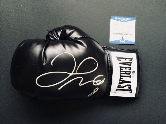 Floyd Mayweather - Authentic & Original Signed Autograph in a Black Boxing Glove - with Certificate of Authenticity BECKETT