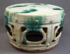 Shiwan stool with unique glazing - China - 19th century, Qing dynasty (1644–1912)