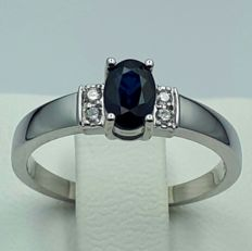 14 Ct White Gold Sapphire and Diamond Ring, Total  weight  2.35g, size 16.5mm