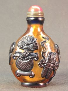 Snuff box in Peking glass - China - end of 20th century