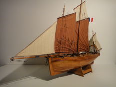 French fishing boat - Newfoundland-fisheries - wooden ship model