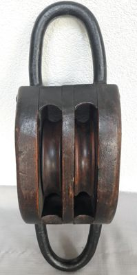 Large heavy antique pulley / lifting block - the Netherlands - first half of the 20th century