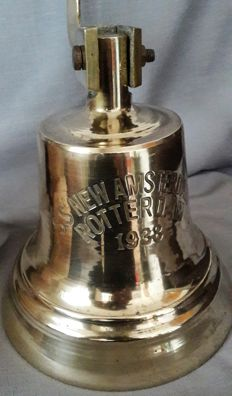 Large brass / copper ship's bell of the S.S. Nieuw Amsterdam